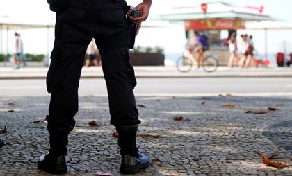 Заключенные в Бразилии взяли в заложники более 120 человек