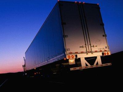 Ночные автоворы орудовали в фурах, не страшась спящих дальнобойщиков