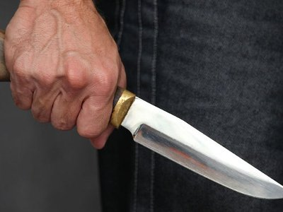 Полицейский-кинолог спас от поножовщины смолянина, но сам был ранен