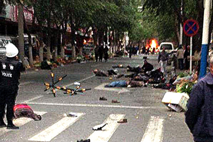 В Китае 12 террористов приговорили к смертной казни