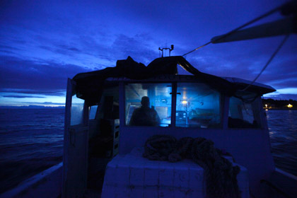 Судно с пьяным капитаном село на мель у берегов Швеции