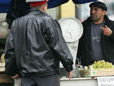 В Починке два полицейских крышевали незваных гостей с юга