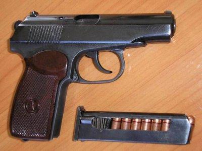 У домушника при обыске нашли пистолет, переделанный из газового в боевой