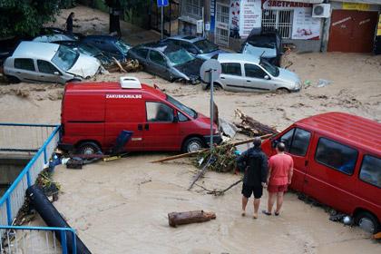Десять человек погибли в результате наводнения в Болгарии