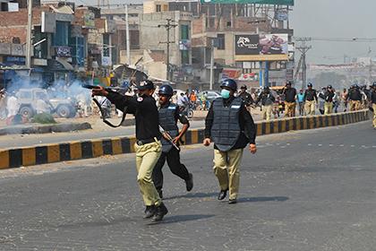 Пакистанцы устроили погромы из-за поста в Facebook