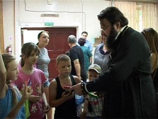 В Смоленской области епископ Исидор посетил беженцев с юго-востока Украины
