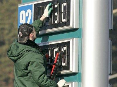 Цены на смоленских заправках снова подскочили