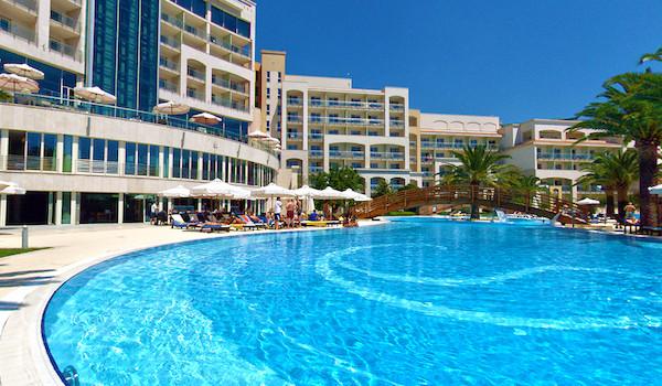Компания «ARGO» – прекрасная возможность снять апартаменты в Черногории для летнего отдыха по доступной стоимости