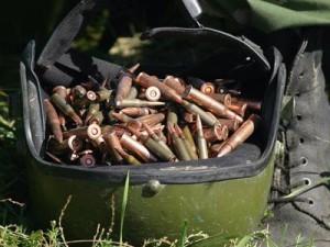 Вместо запчастей от угнанного скутера в доме кардымовца нашли склад боеприпасов