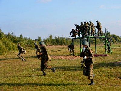 Под Смоленском соревнуются российские спецназовцы