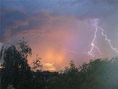 На Смоленщину надвигаются дожди, грозы и град