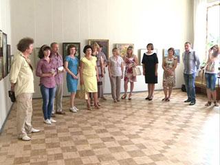 В Смоленске открылась выставка творческих работ преподавателей художественной школы Десногорска