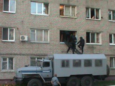 Наркопритон в Смоленске взяли с помощью СОБРа