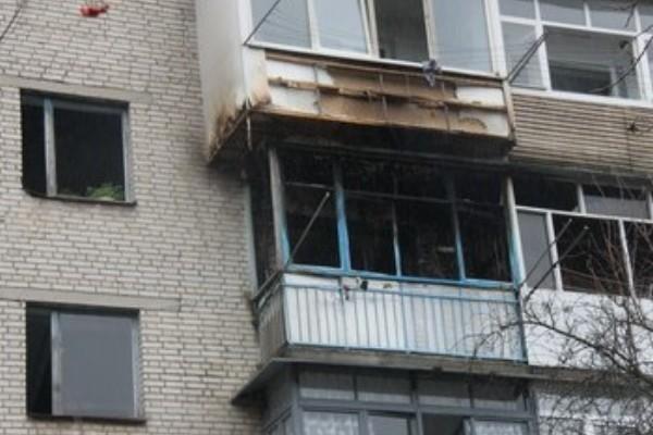 В Смоленской области в девятиэтажке сгорел балкон