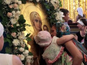 В Смоленске с участием множества гостей прошли Одигитриевские торжества