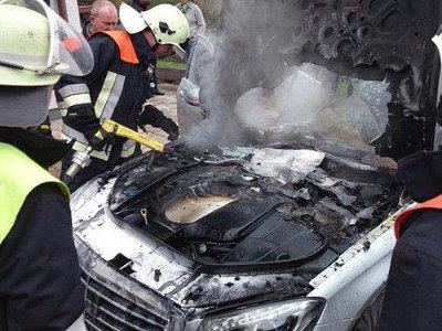 В Ярцеве в светлое время дня воспламенился Mercedes