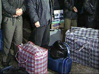 Алиментщику, приехавшему с товаром из Москвы, приставы устроили «теплую» встречу