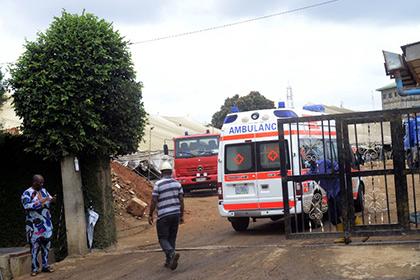 В Нигерии 13 человек погибли при взрыве в педагогическом коллежде
