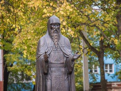 В облцентре появился памятник Авраамию Смоленскому