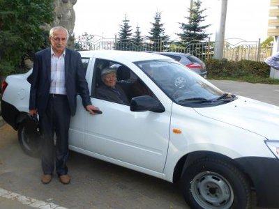 Восьмерым пострадавшим на производстве вручили ключи от спецавтомобилей «Гранта»