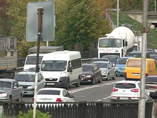 В Смоленске создается транспортный коллапс из-за ремонта сразу нескольких участков дорог