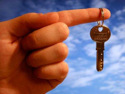 Подросток без злого умысла отдал ворам ключ от дядиной квартиры