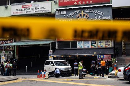 Перед пивным баром в Куала-Лумпуре взорвалась граната
