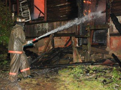 Неисправный дымоход печи оставил семью без крыши над головой