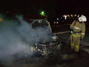 Ночью в Смоленске сгорела машина