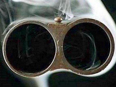 Разборка двух пассажиров такси привела к стрельбе в салоне