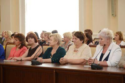 Медицинские работники Смоленской области получат надбавку к зарплате