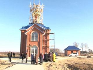 В Краснинском районе завершается строительство православного храма