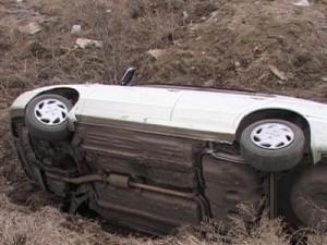 Пьяный белорус угнал у смолянина машину и угодил на ней в кювет
