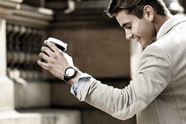 Круглые смарт-часы LG G Watch R выходят в России