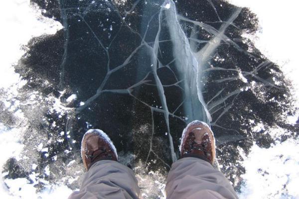 В Смоленской области рыбак провалился под лёд