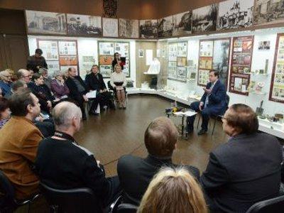 Накануне Года литературы губернатор пообещал писателям отдельное помещение