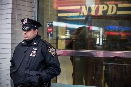 В Нью-Йорке за угрозы полицейским арестованы шесть человек