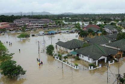 В Малайзии из-за наводнения эвакуированы 100 тысяч человек
