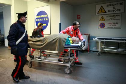 С горящего итальянского парома спасены 265 человек