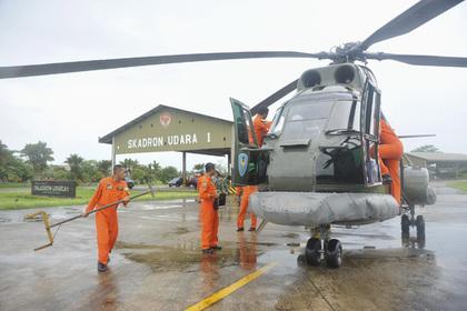 Возобновлены поиски пропавшего малайзийского лайнера