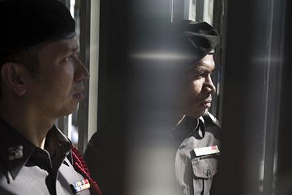 В Таиланде двух активистов признали виновными в оскорблении монархии
