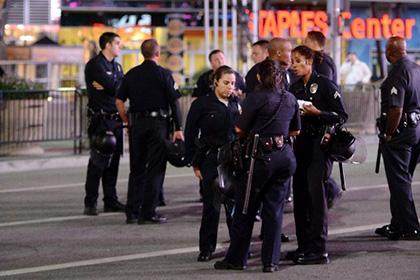 В Лос-Анджелесе обстреляли полицейский автомобиль