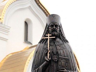 В Катыни открыли памятник убитому в 1937-м смоленскому архиепископу Серафиму