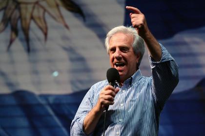 На выборах президента Уругвая победил представитель правящей коалиции