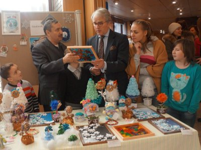 Починковские детдомовцы отвезли свои поделки на Рождественский базар в Москву