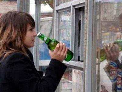 Продавщица попала под статью за повторную продажу спиртного подростку