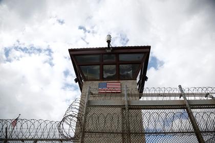 Командующего базой Гуантанамо уволили после убийства мужа любовницы