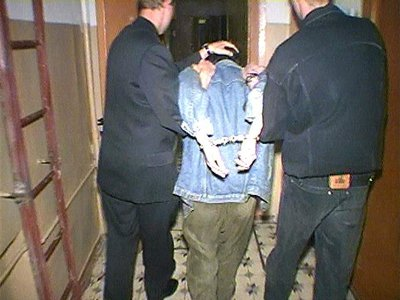 Грабители напились в доме у своей жертвы и не успели сбежать до приезда полиции