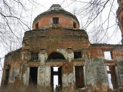 Возле алтаря рославльской церкви нашли боевой снаряд времен войны