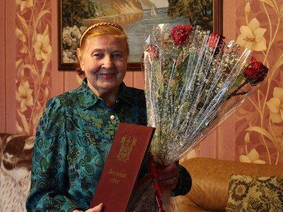 Смоленскую узницу Освенцима поздравили с юбилеем освобождения